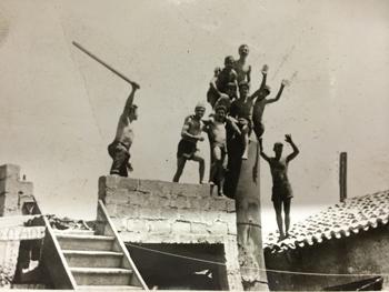 1965 - Οι πρώτες εγκαταστάσεις του χυτηρίου μετάλλων στο Αιγάλεω
